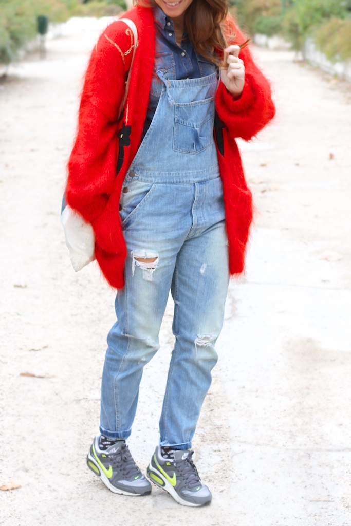 fashion-blogger-descalzaporelparques-tyle-moda-calle-denim-dungaree