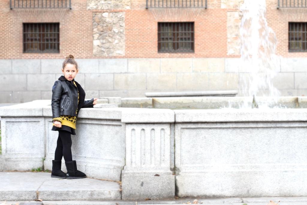 girl-descalzaporelparque-negro-ministyle-moda-streetstyle-black-madrid