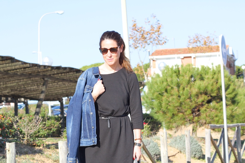 denim-black-dress-Vila-clothes-mommyblogger-cèline-sunglasses