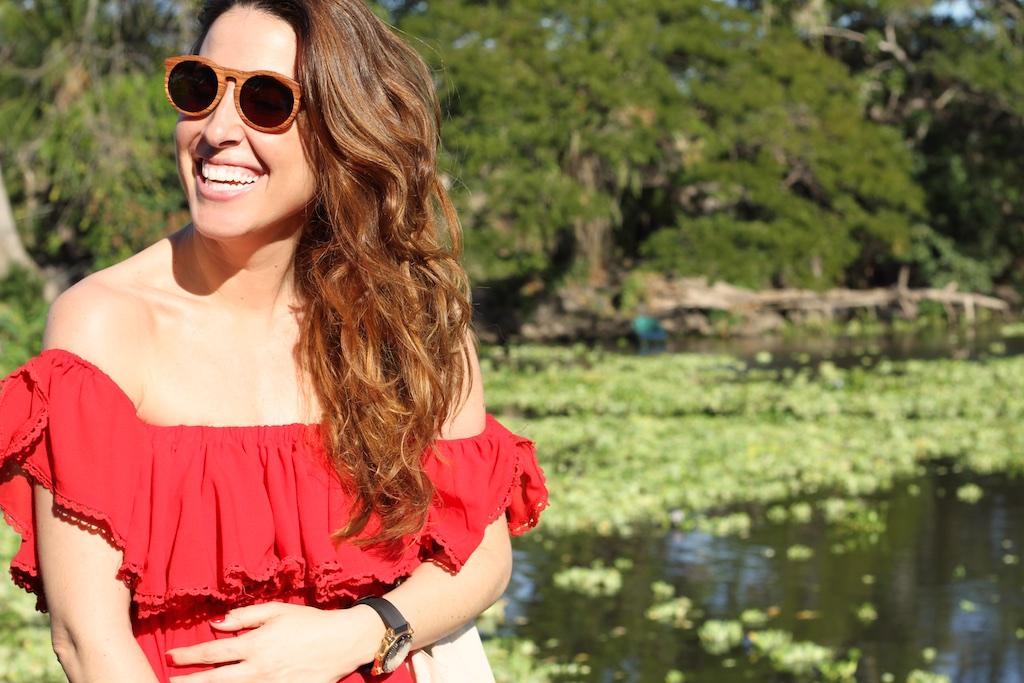 smile-mommyblogger-descalzaporelparque-red-dress-gafas-TU IT