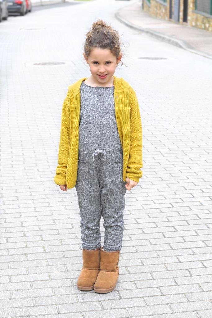 mini-style-omini-knit-jimena-jumpsuit-zara-ugg-descalzaporelparque
