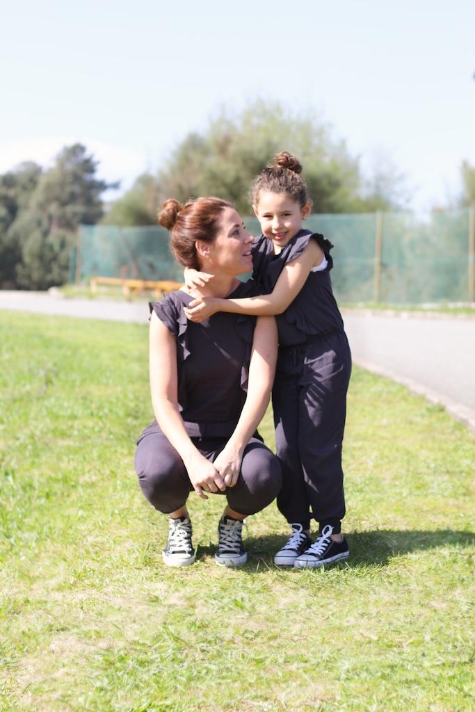 jimena&me-descalzaporelparque-converse-jumpsuit-kids-minime-zara kids-momanddaughter-