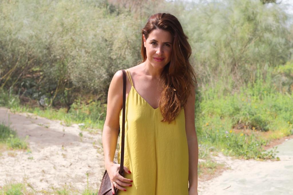 fashion-mommyblogger-mono-zara-mostaza-descalzaporelparque
