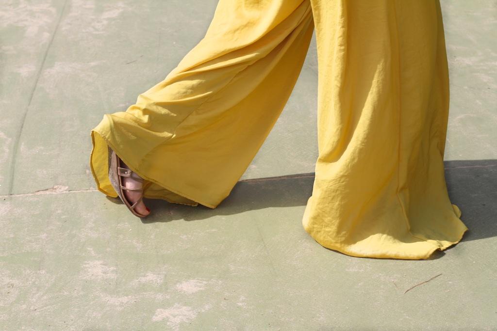 street-zara-moda-style-mustard-descalzaporelparque