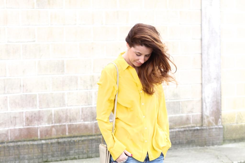 camisa-mostaza-zara-blogger-descalzaporelparque