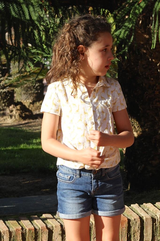 ZARA-KIDS-Giraffe-print-linen-shirt-descalzaporelparque