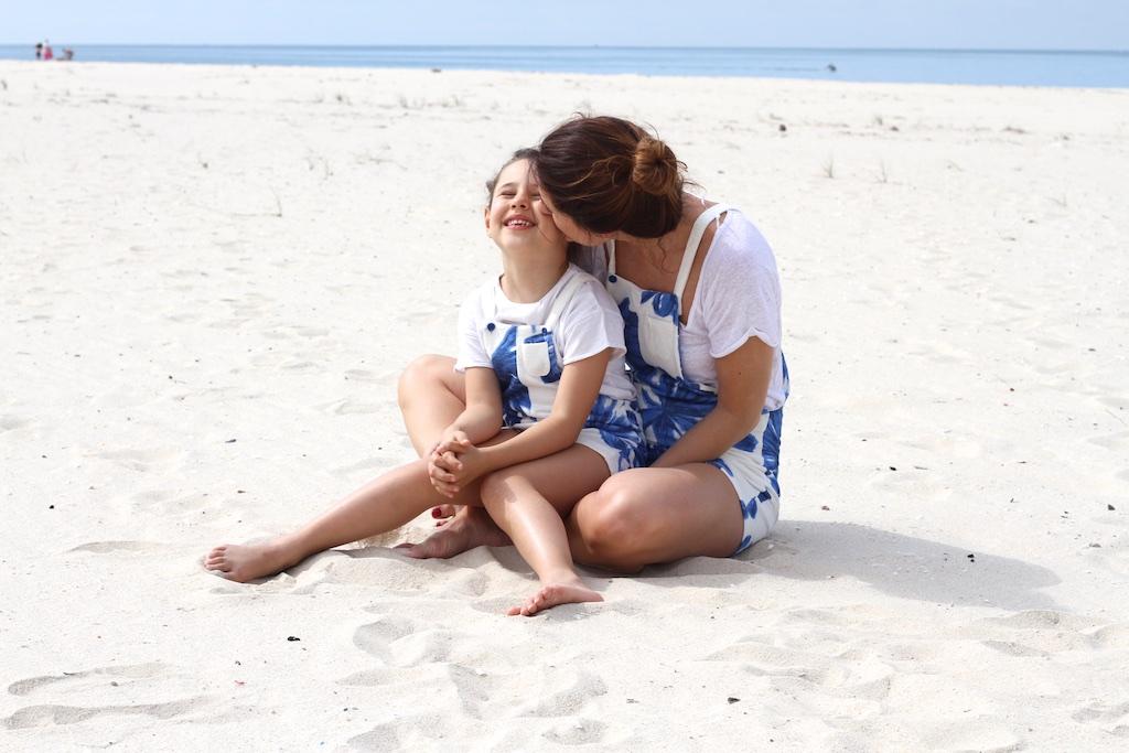 mommyblogger-beach-style-moda-descalzaporelparque-zara-kids