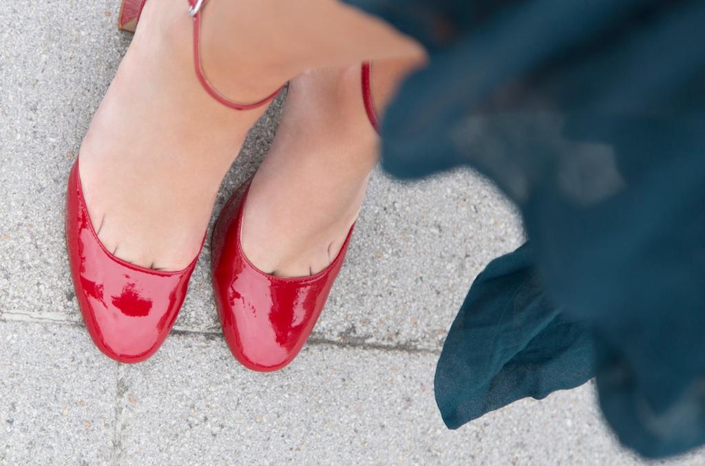 zara-zapato-rojo-valentino-descalzaporelparque-moda-style