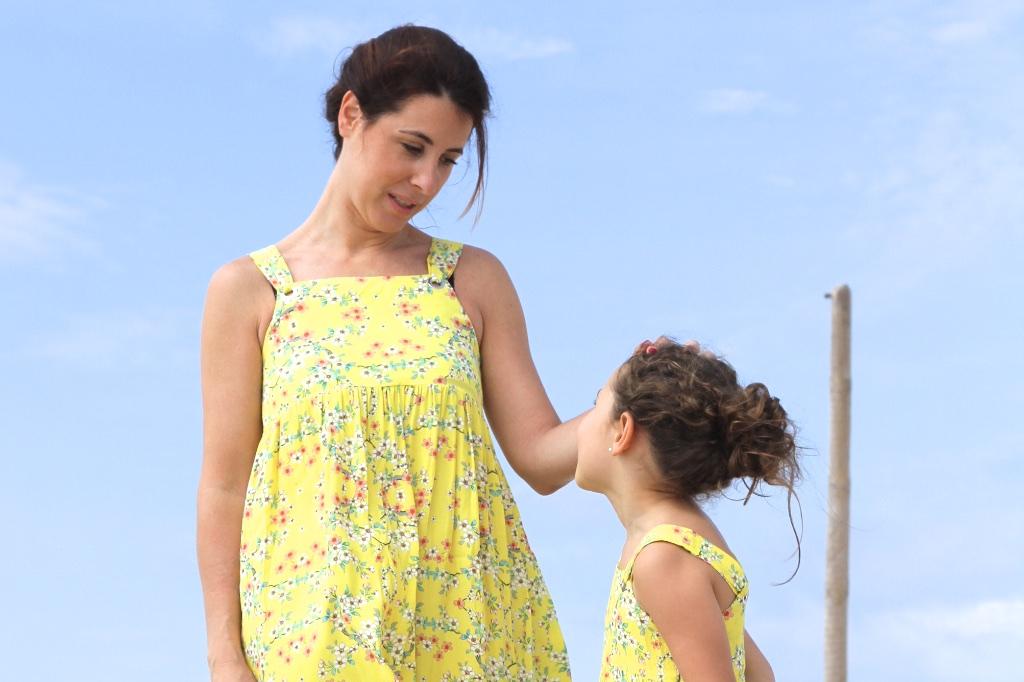 madre-hija-zara-niña-fashion-descalzaporelparque-moda