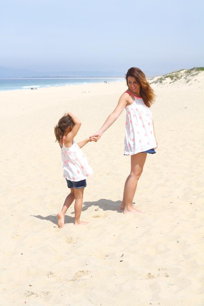 stylelovely-blogger-miniblogger-zara-kids-playa-madre-descalzaporelparque-summer