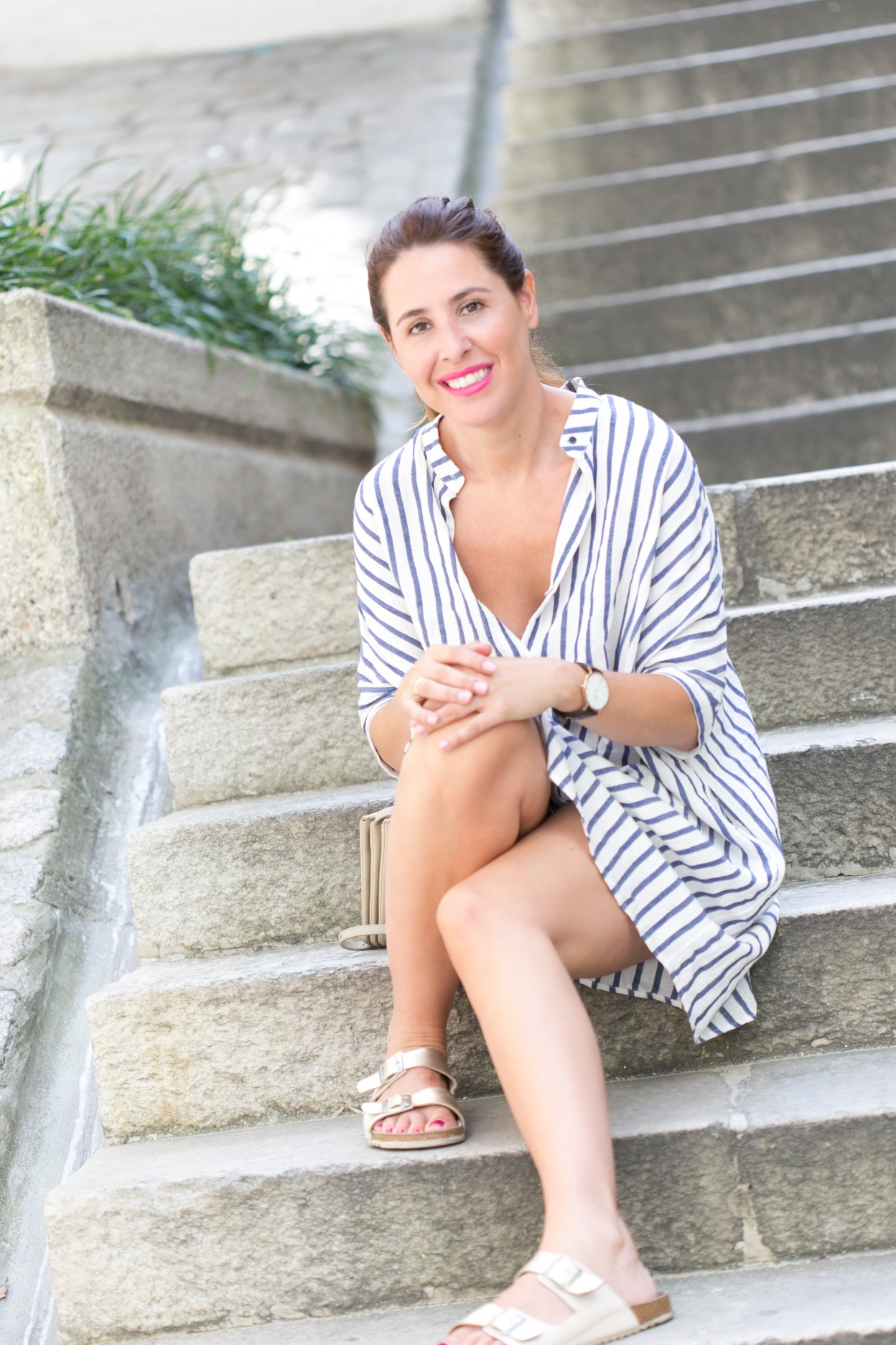 estilo-moda-look-rayas-fashionblogger-descalzaporelparque-Coruña-DanielWellington-modaenlacalle
