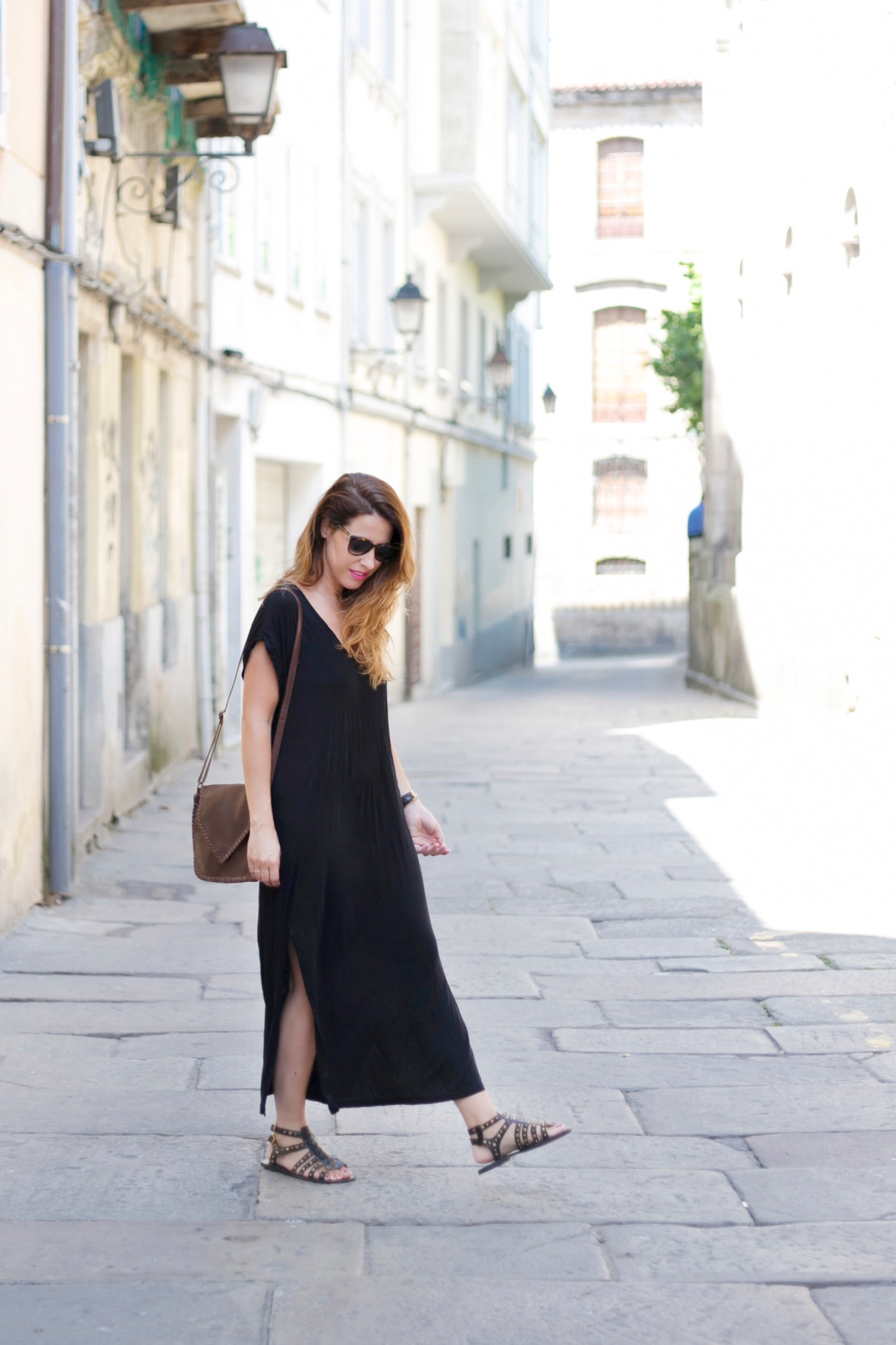 street-style-dress-fashion-black-descalzaporelparque-coruña-stylelovely