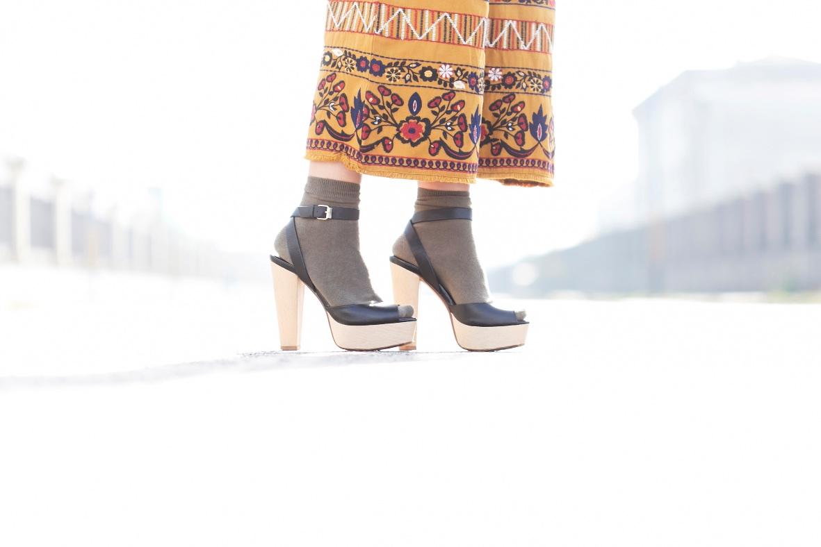 zara-moda-estilo-calle-descalzaporelparque-deniapriegue-coruña