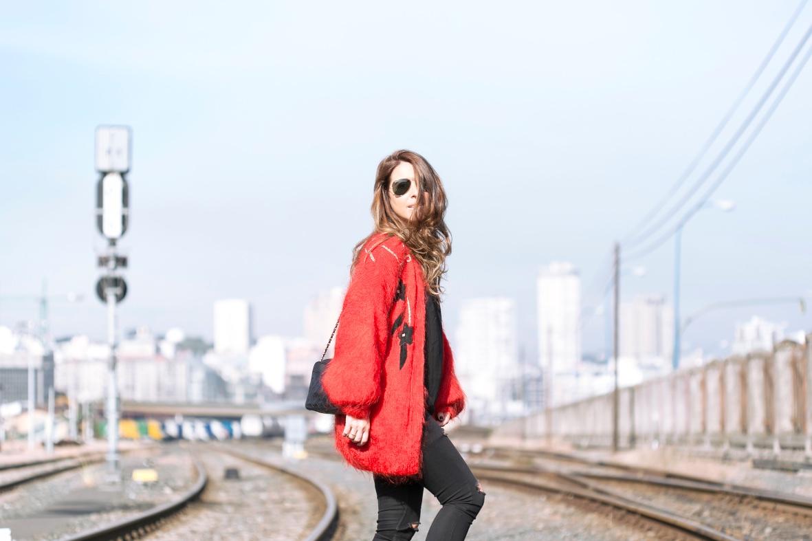 rojo y vintage-55663-descalzaporelparque
