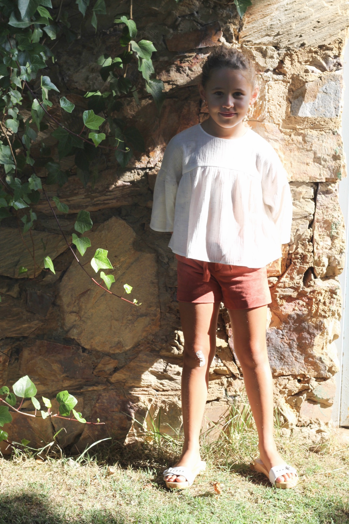Zara-look-girl-marsala-shorts-fashion-kids-descalzaporelparque