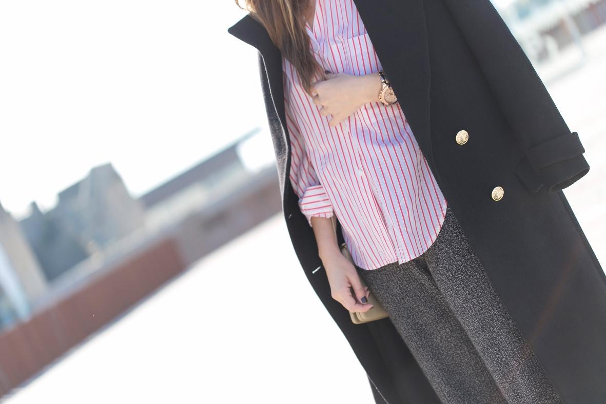 longcoat-style-calle-coruña-Zara-camisa -rayas-estilo-descalzaporelparque