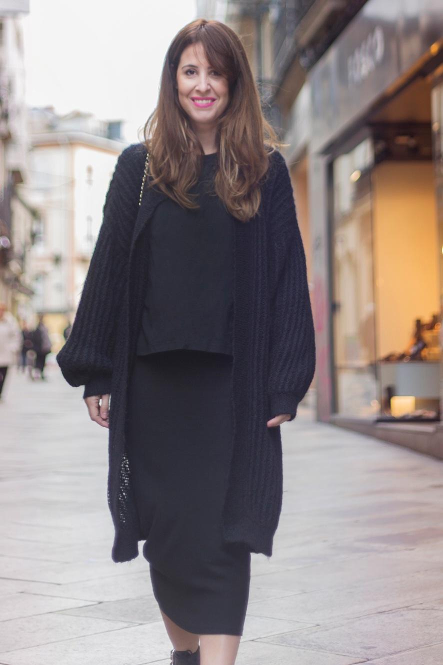 zara-blogger-descalzaporelparque-chanel-vintage-streetstyle-black