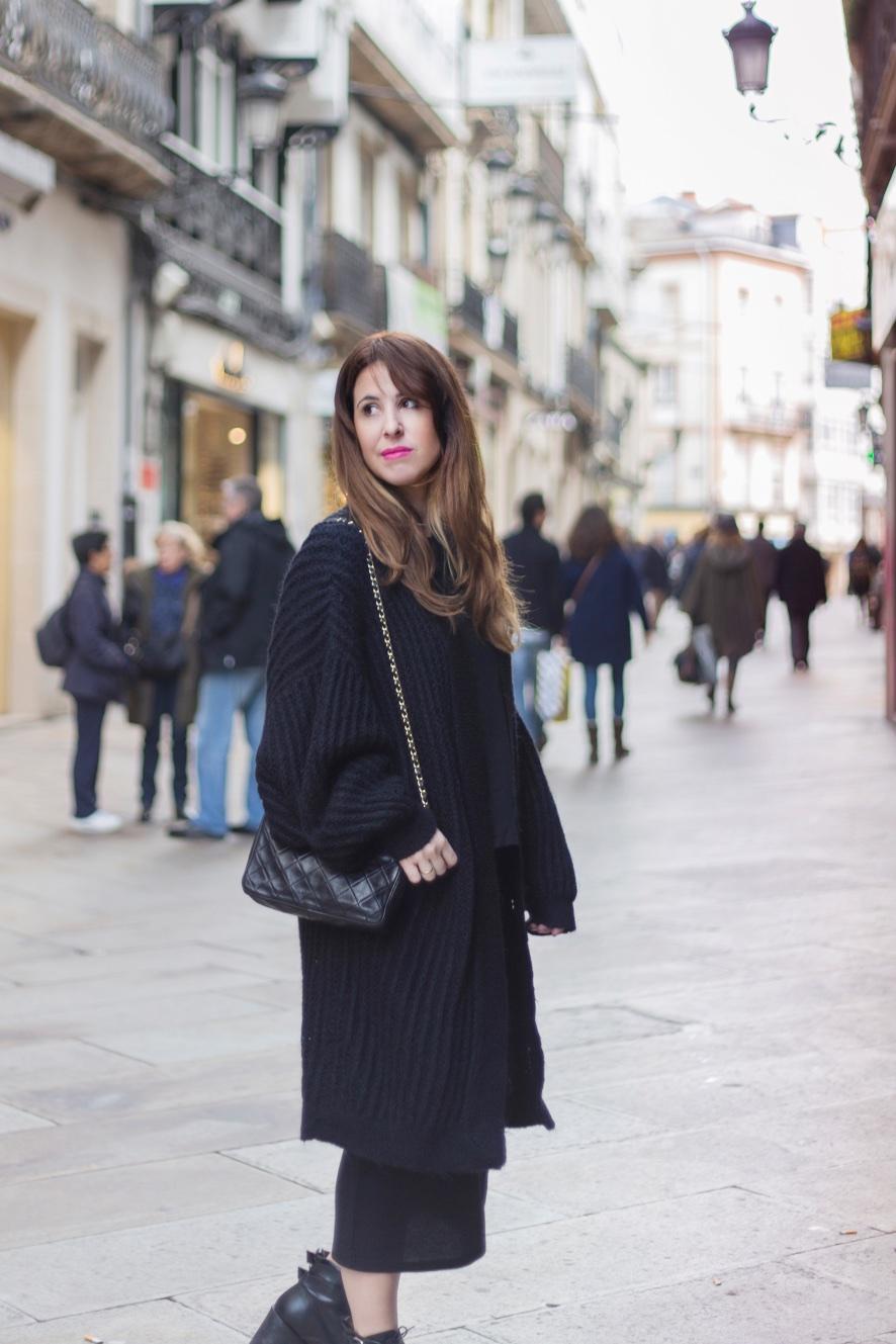 calle-moda-descalzaporelparque-coruña-estilo-chanel