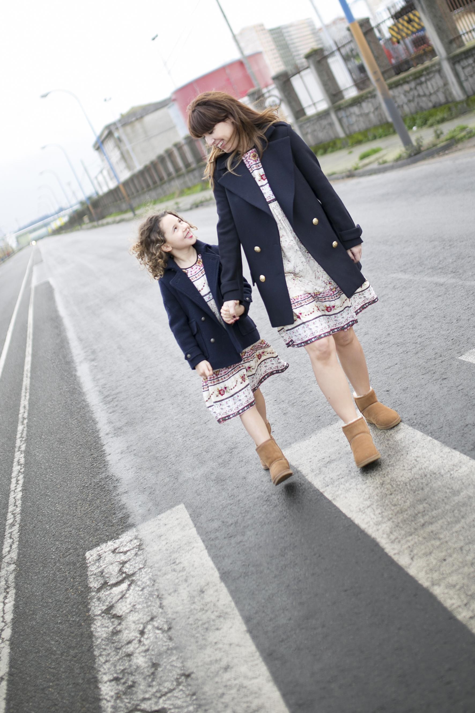 Jimena&me-Ugg-Boots-blogger-madre-hija-estilo-moda-descalzaporelparque-coruña-Jimena&me-Ugg-Boots-blogger-moda-street-ministyle-zarakids-motherdaughter-coruña