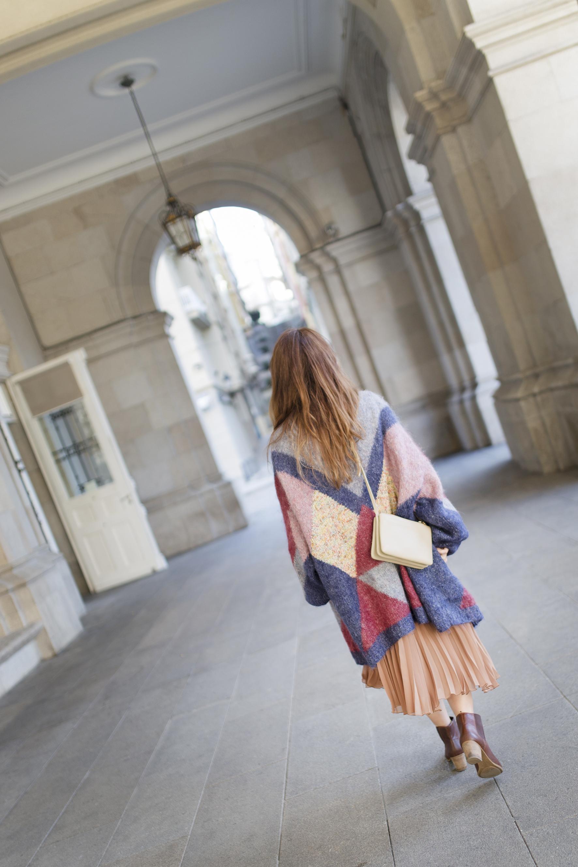 mariapita-coruña-cèline-trio-bag-vintage-cardigan-blogger-descalzaporelparque-streetstyle-vintageandcoffee