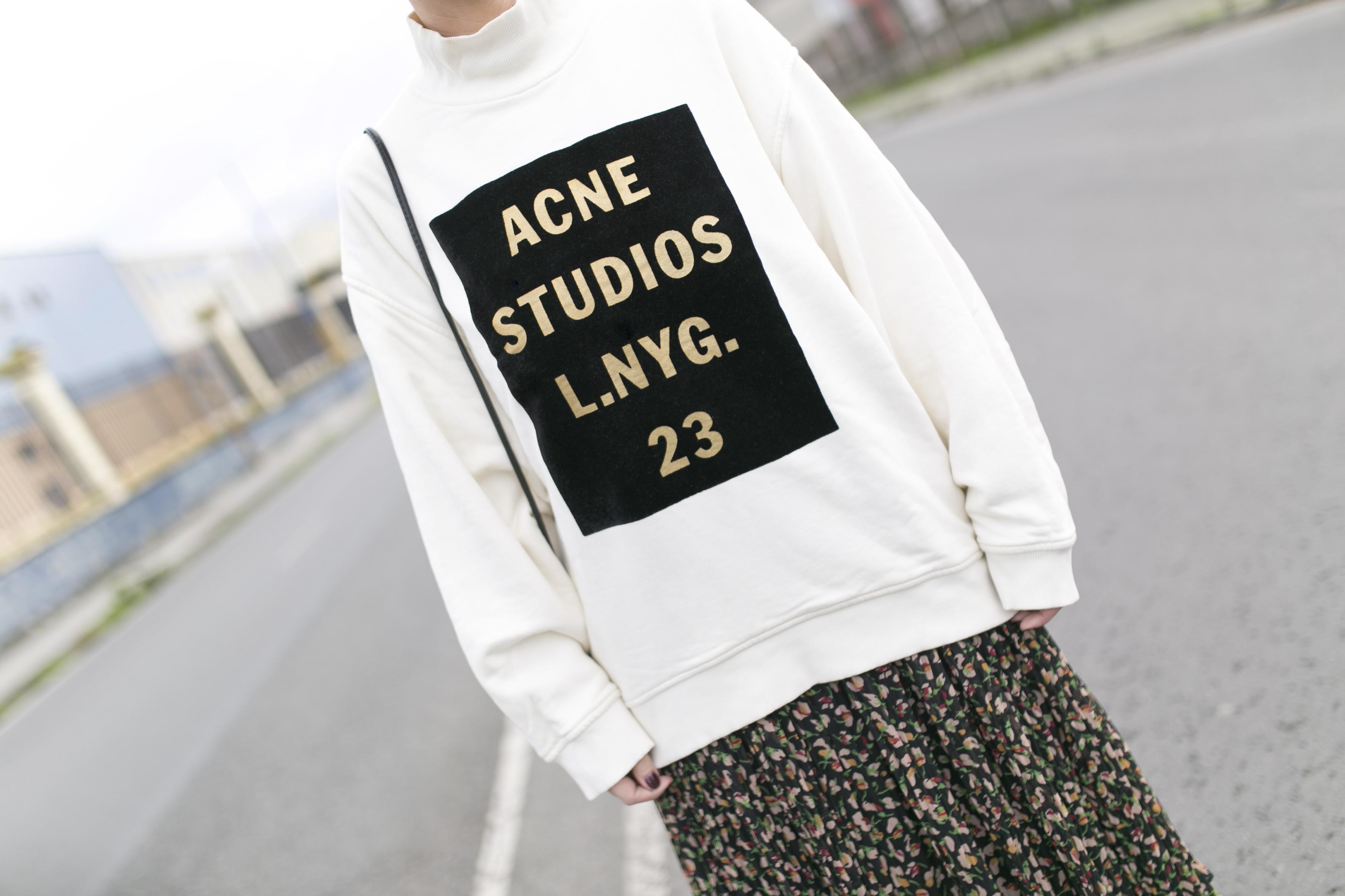 rebajas Zara-style-coruña-moda-calle-descalzaporelparque-Acne Studios- fashion-streetstyle-blogger- Zara Dress