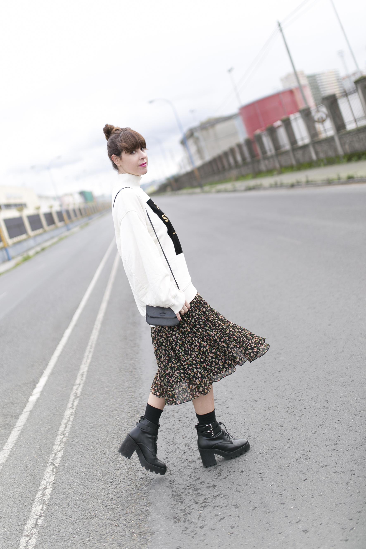 look-rebajas Zara-Acne Studios- fashion-moda-calle-descalzaporelparque-blogger-street