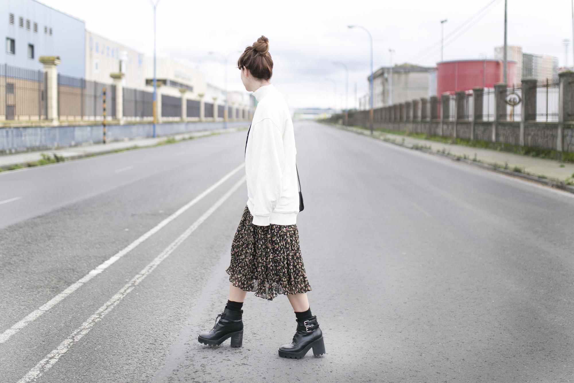 Zara Dress-rebajas Zara-moda-calle-descalzaporelparque-Acne Studios- fashion-streetstyle-blogger