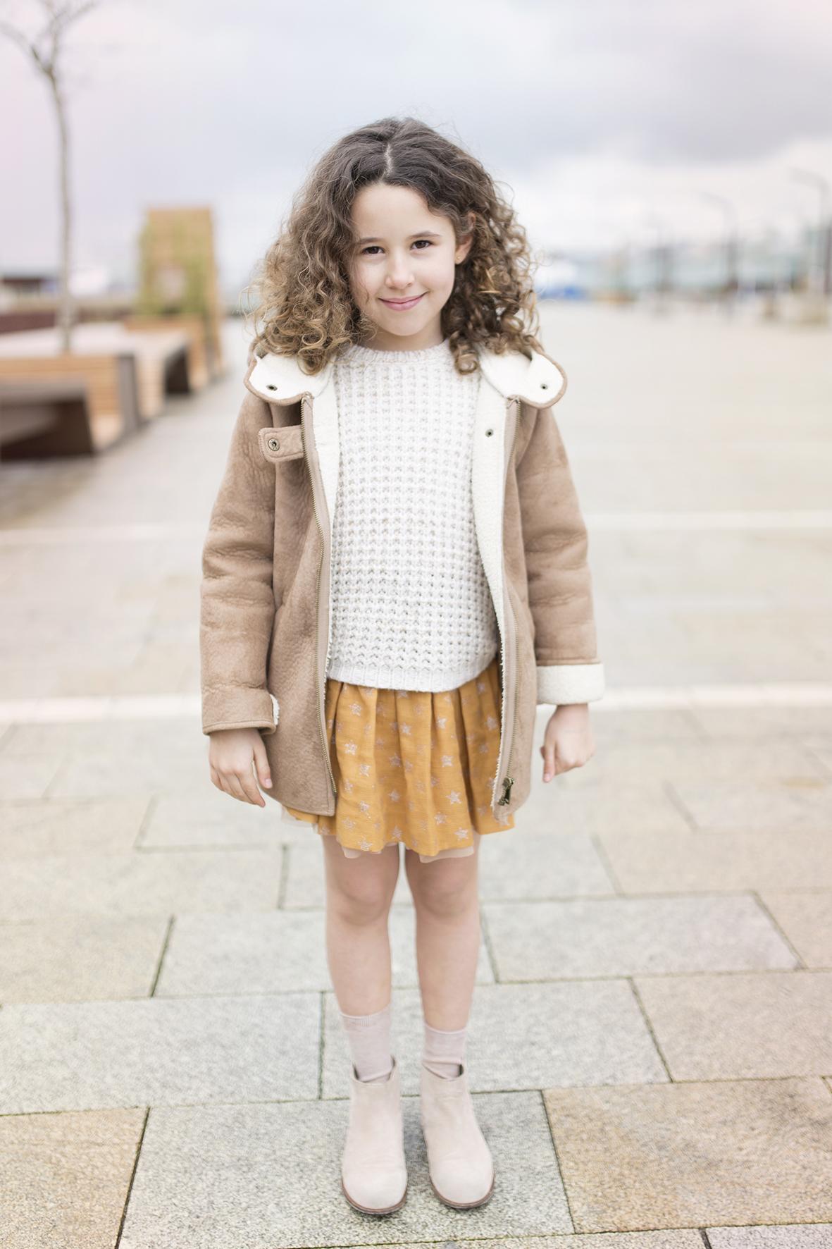 Zara -minime-moda-coruña-zara soft-jimena-streetstyle- kids-blogger-descalzaporelparque-fashion