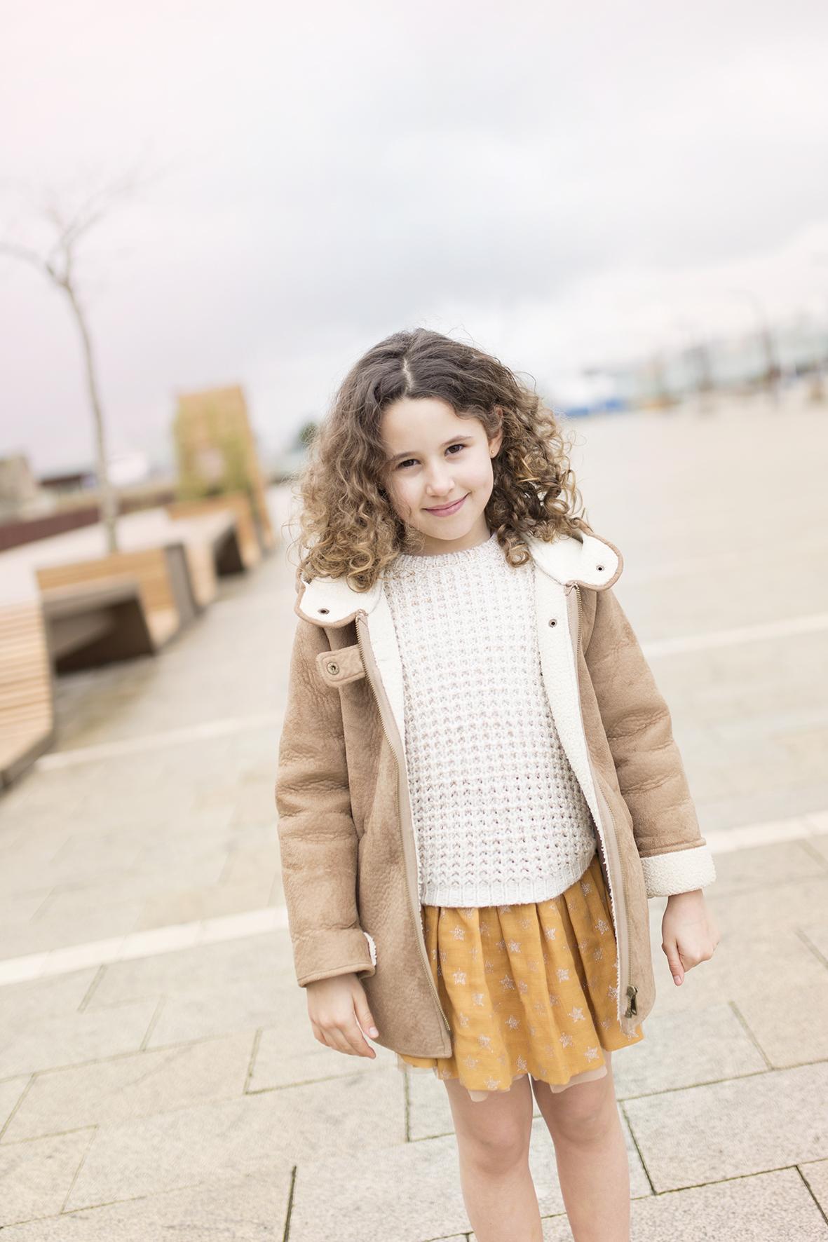 zara soft-jimena-streetstyle- kids-Zara -minime-moda-ZARA nueva colección-coruña-blogger-descalzaporelparque-fashion