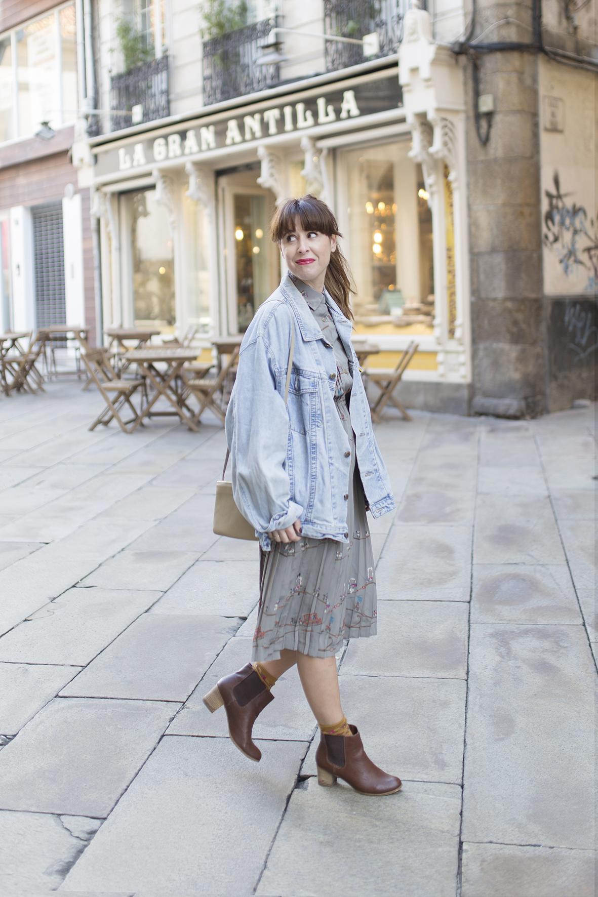 descalzaporelparque -blogger-moda-calle- denim jacket- streetstyle - coruña -galicia-alba cuesta