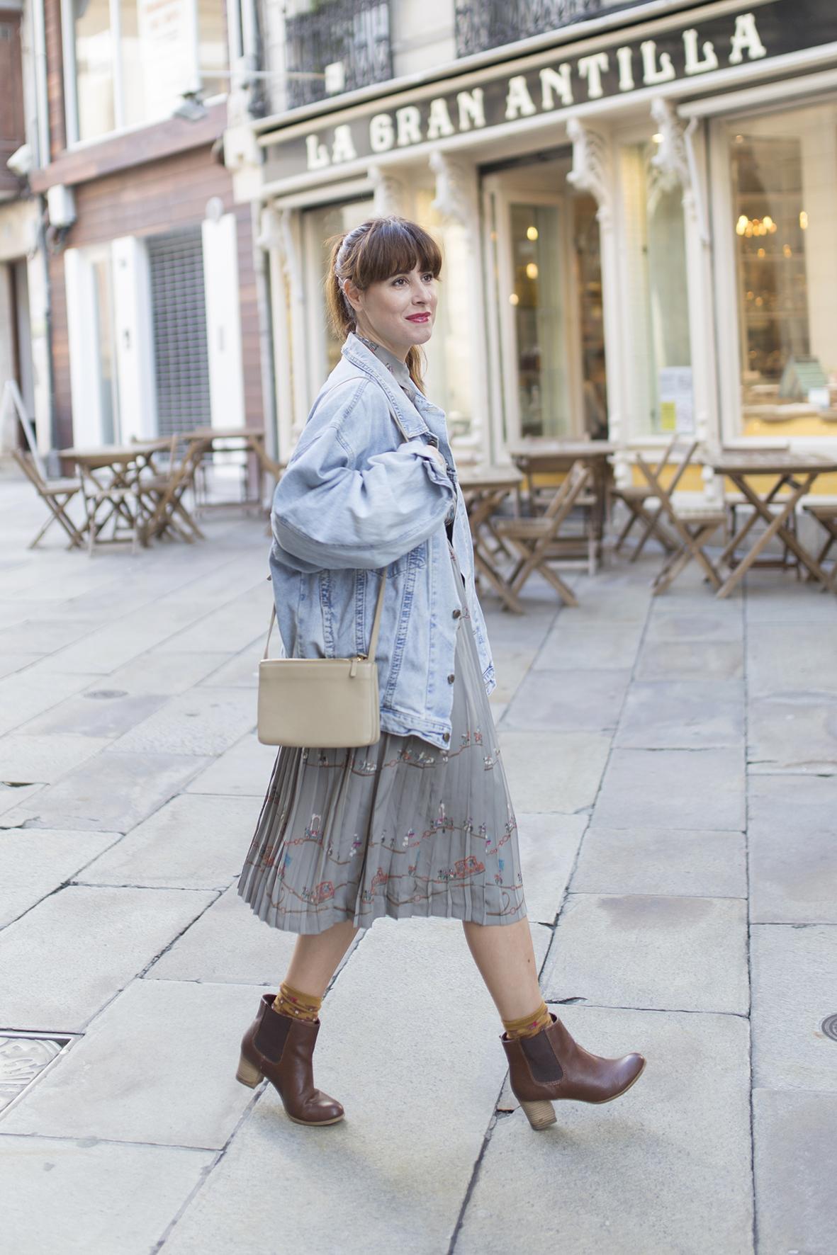 denim jacket- streetstyle - coruña -cèline bag-descalzaporelparque-style- look- ootd-moda-calle