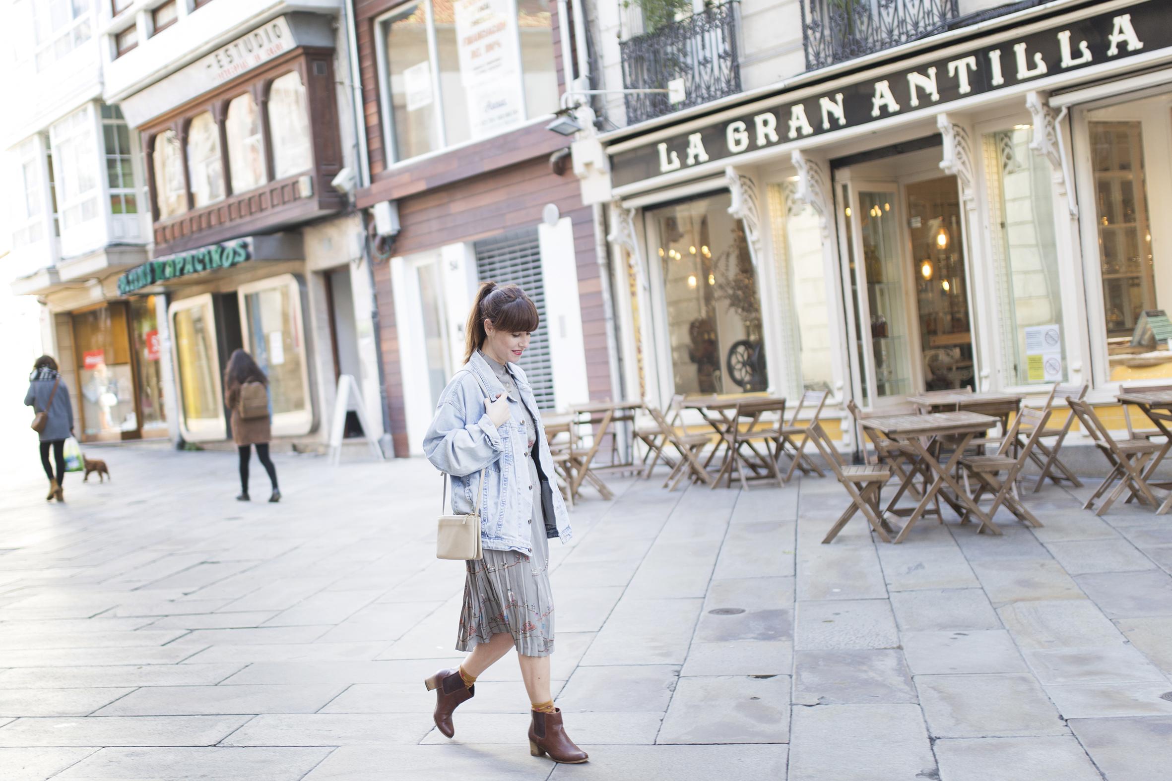 cèline - denim jacket- segunda mano -Micolet - dress - vintage - streetstyle - coruña - descalzaporelparque