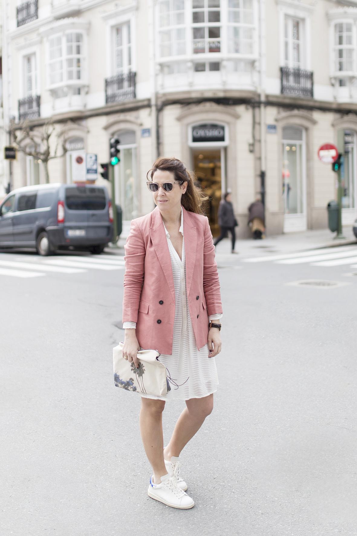cèline sunglasses-fashion- Coruña-Voglia-streetstye-descalzaporelparque-Silver Lake Zubi-Mango blazer