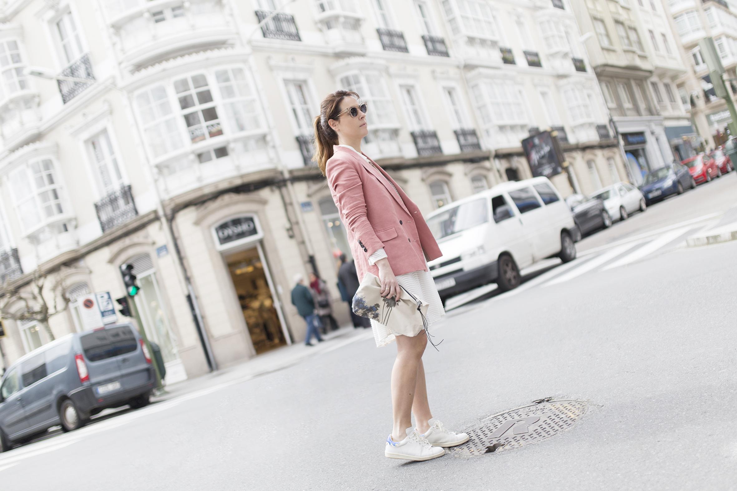 fashion- Coruña-Voglia-streetstye-descalzaporelparque-Silver Lake Zubi-Mango blazer
