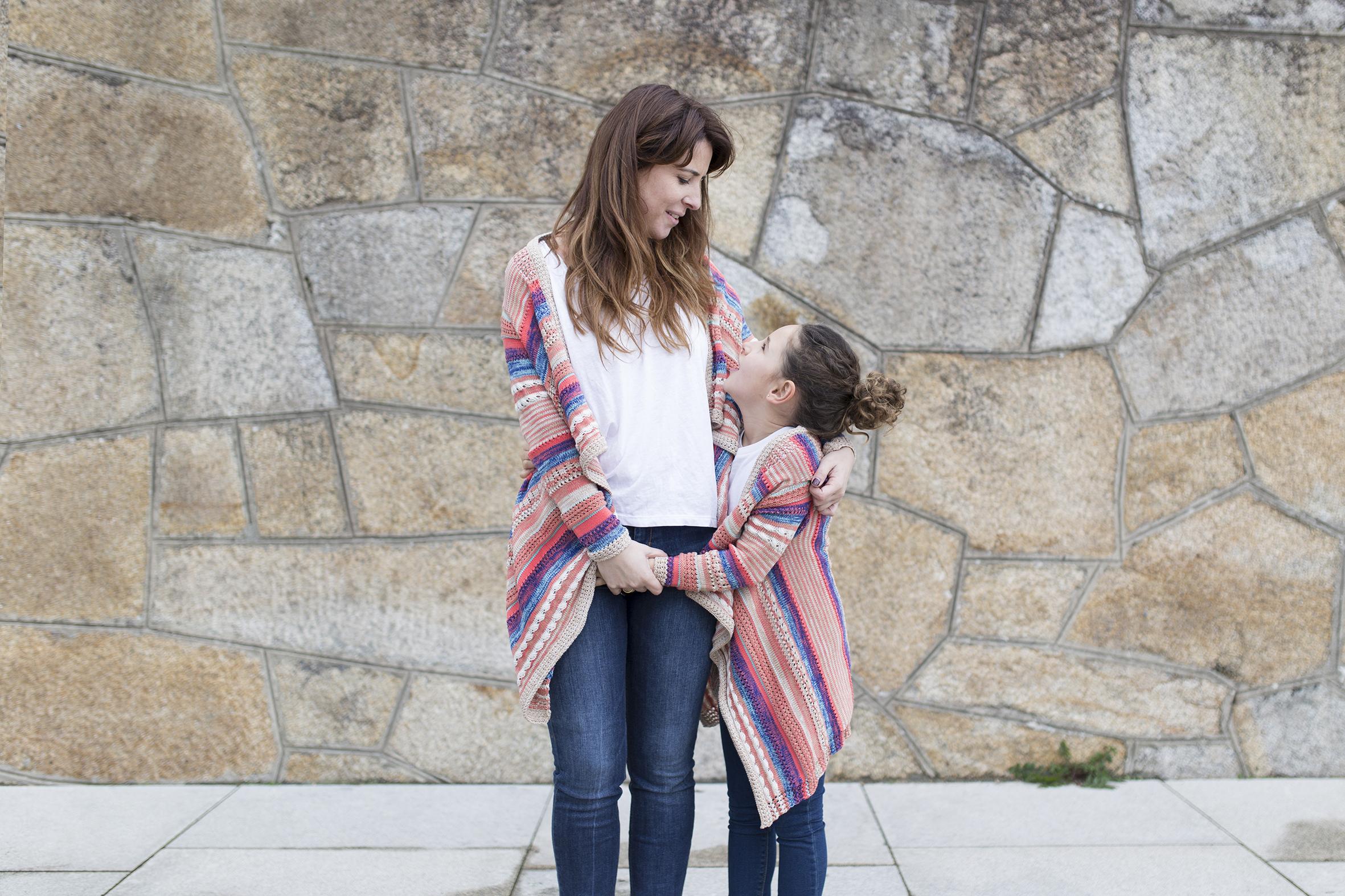 fashion-style-converse-jimena & me-madre e hija-Viajar en familia-descalzaporelparque-coruña-lifestyle- kids- converse-daughter