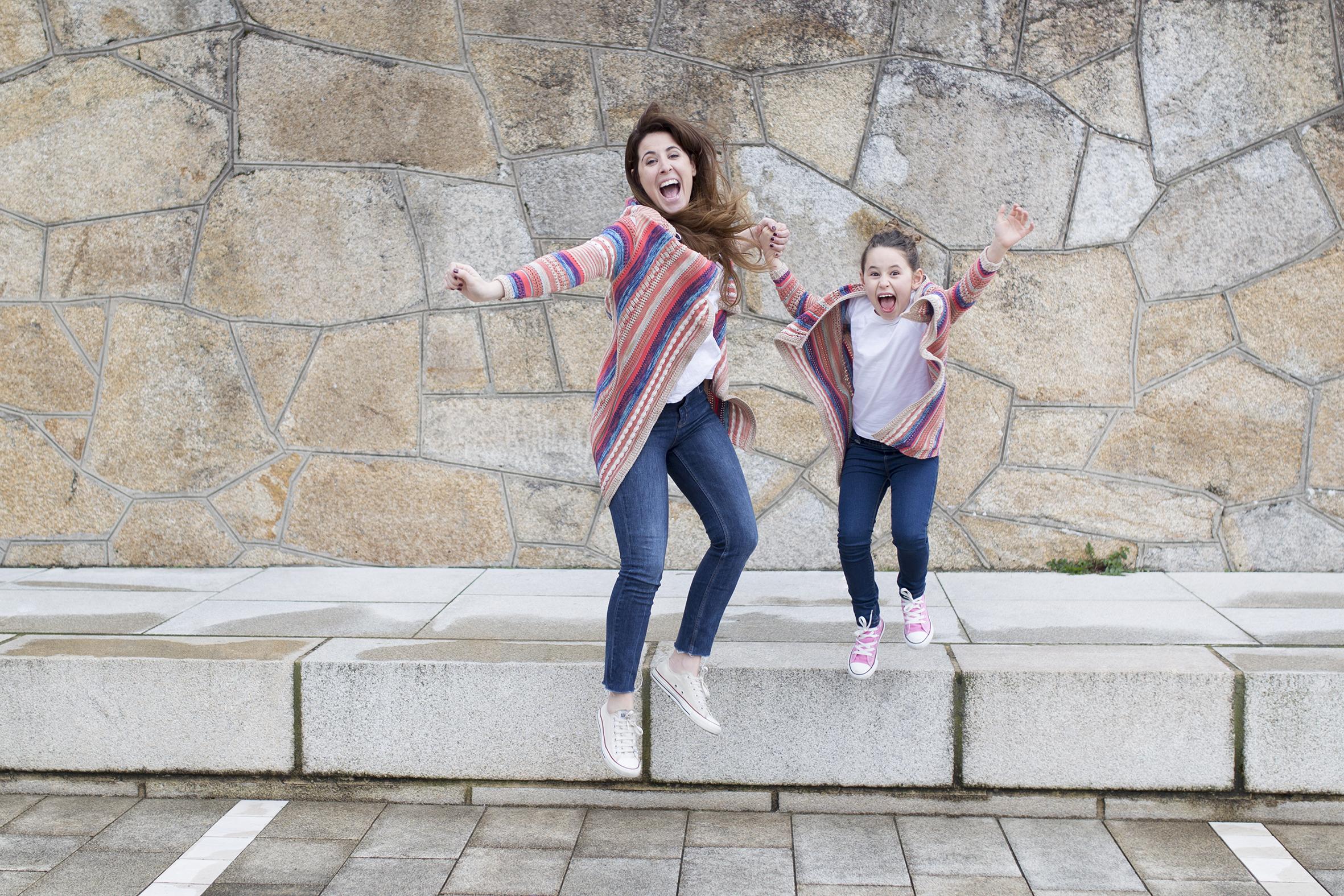 smile-felicidad-fashion-style-converse-jimena & me-madre e hija-Viajar en familia-descalzaporelparque-coruña-lifestyle- kids- converse-daughter