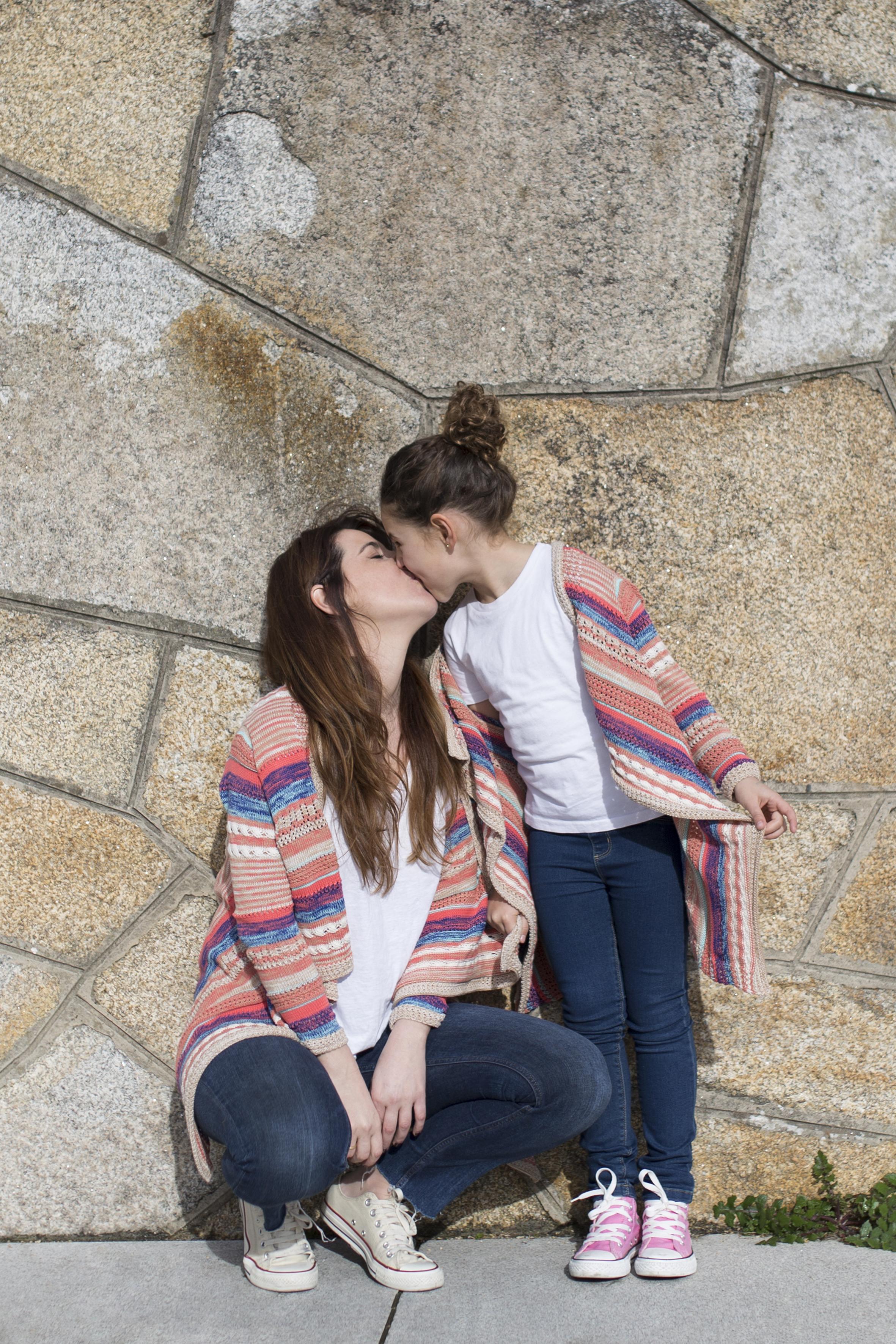 Viajar en familia- lifestyle- descalzaporelparque- ZARA kids- converse-daughter