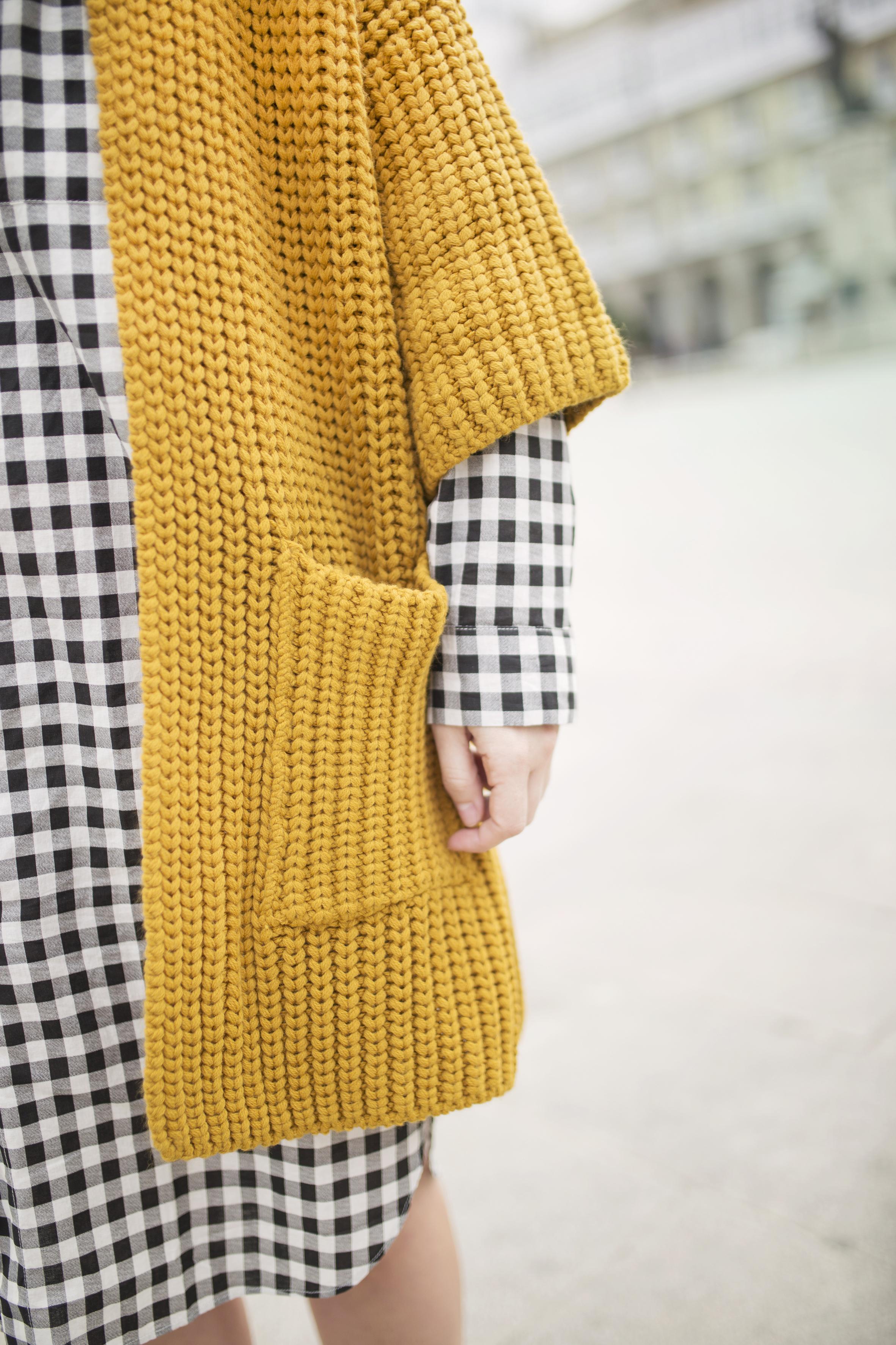 dress shirt- cuadros- mostaza-Mango- vestido camisero- cuadros- lifestyle- coruña- streetstyle- blogger -descalzaporelparque