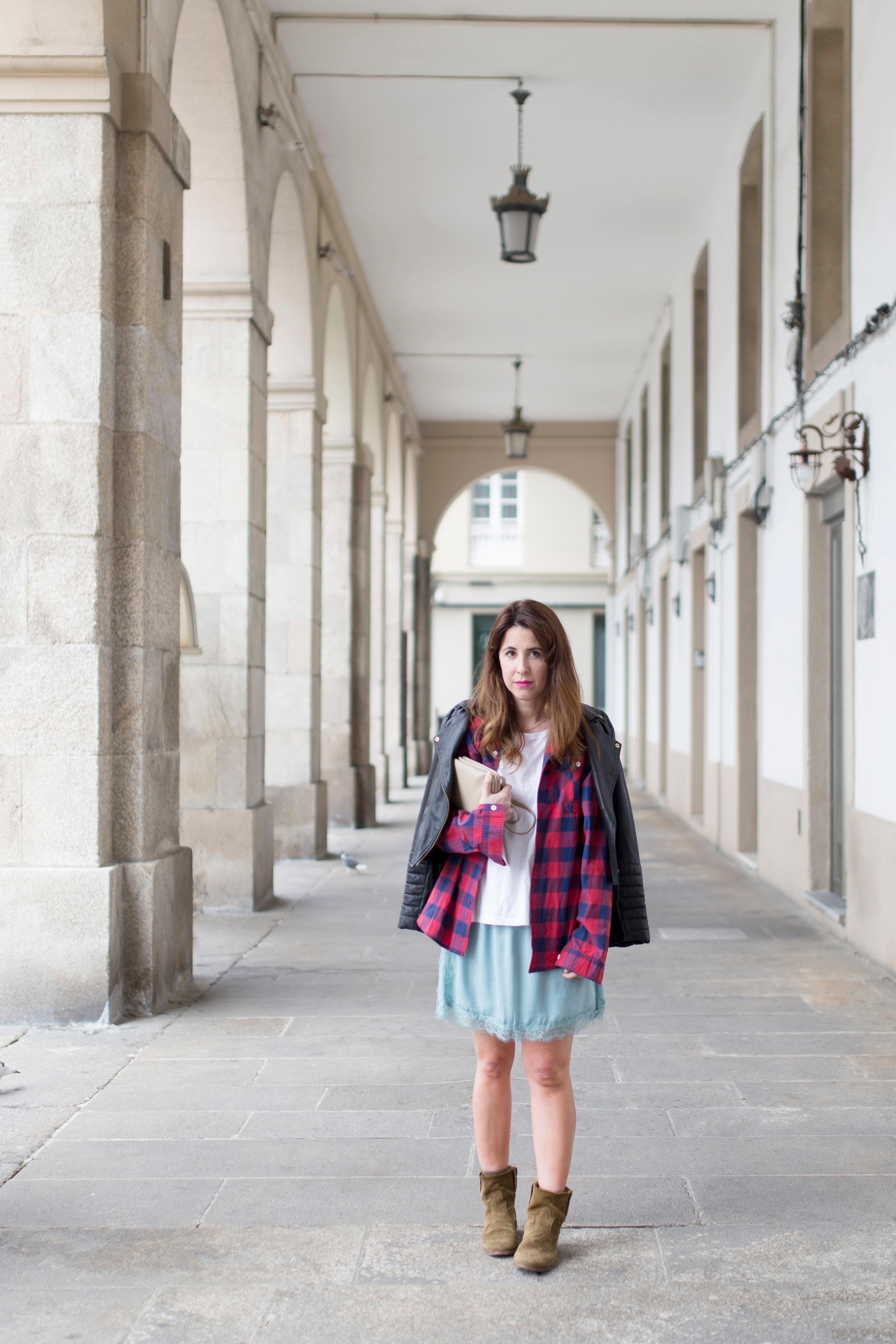 moda-calle-zara-perfecto-Céline- trio bag-streetstyle-coruña-boots-blogger-fashion-descalzaporelparque