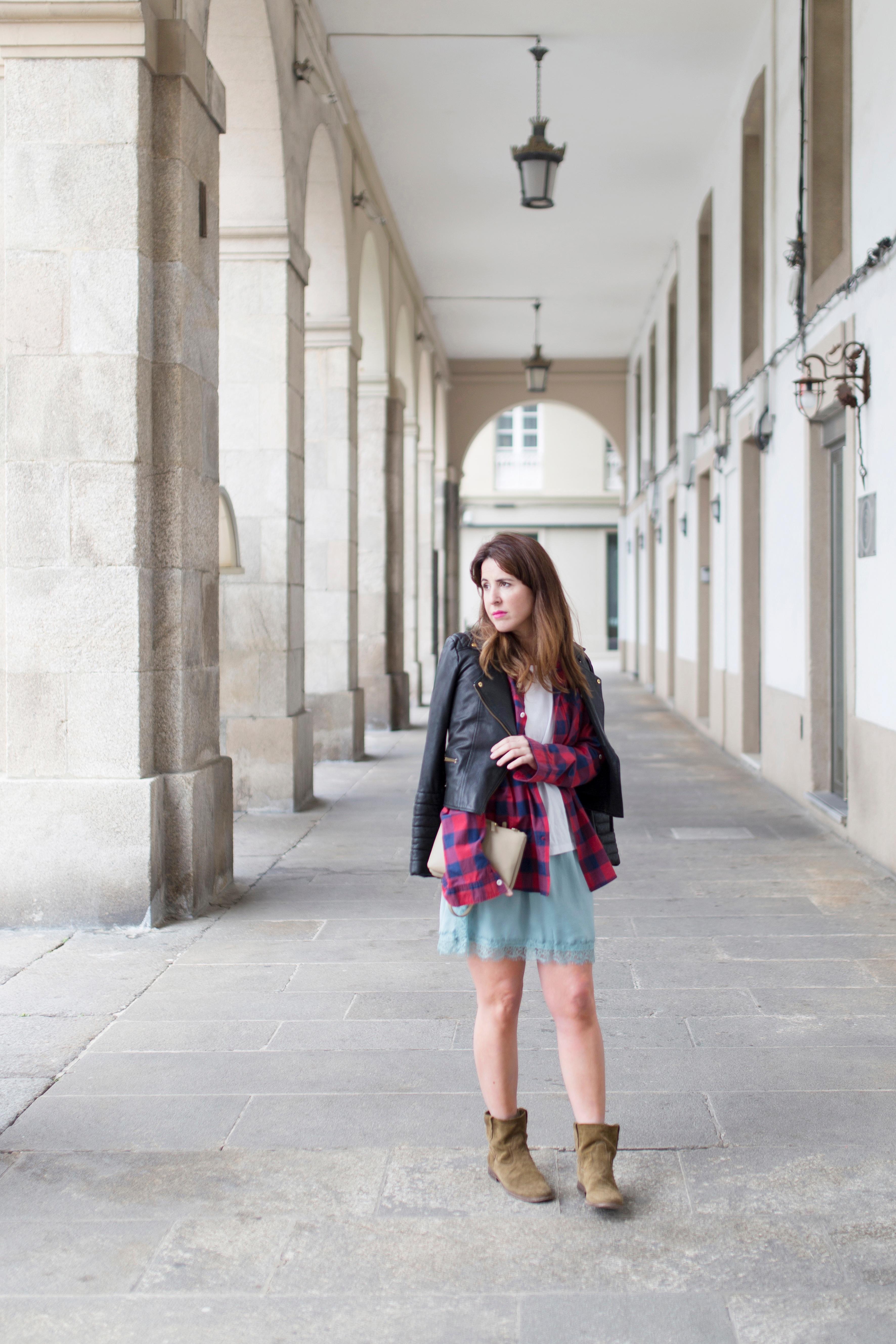 céline-fashion-descalzaporelparque-moda-calle-zara-perfecto-streetstyle-coruña-boots-blogger