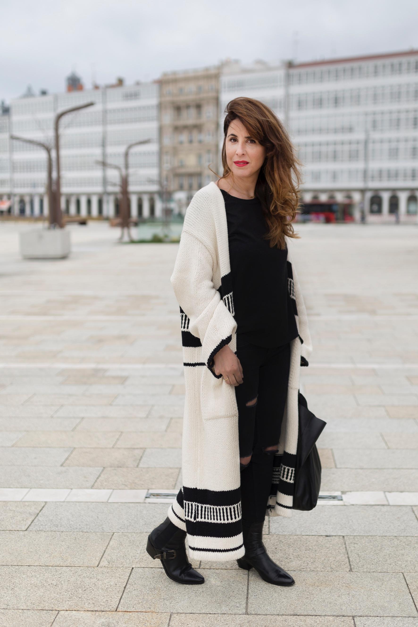 calle-zara-look- coruña- streetstyle- blogger- cèline bag- style- zara look-ootd- descalzaporelparque-fashion-moda