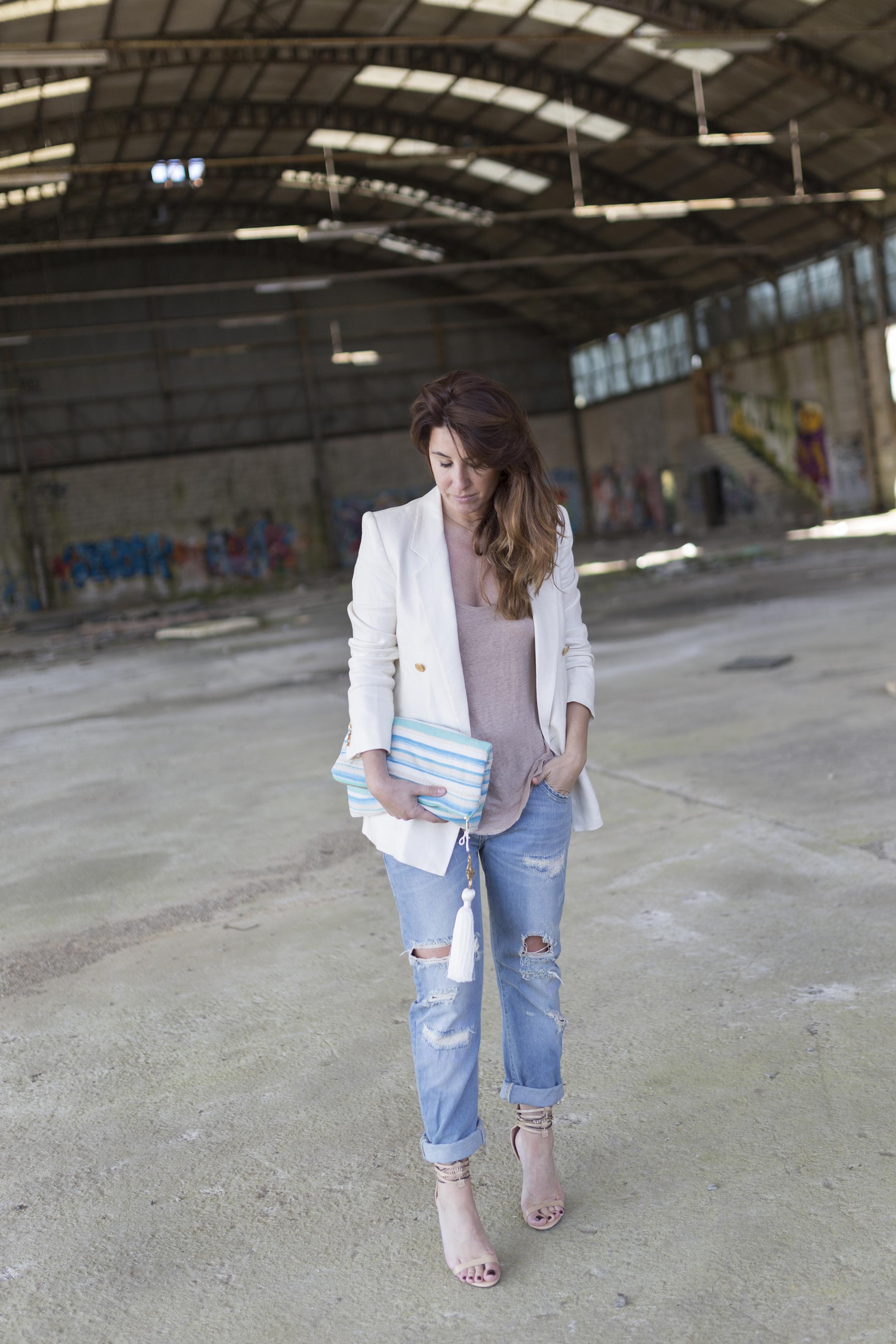 denia priegue-stylelovely-galicia-bag- descalzaporelparque- blogger- fashion- tienda oline-Grandes esperanzas - bolso - libro - look - lo en las nubes- style