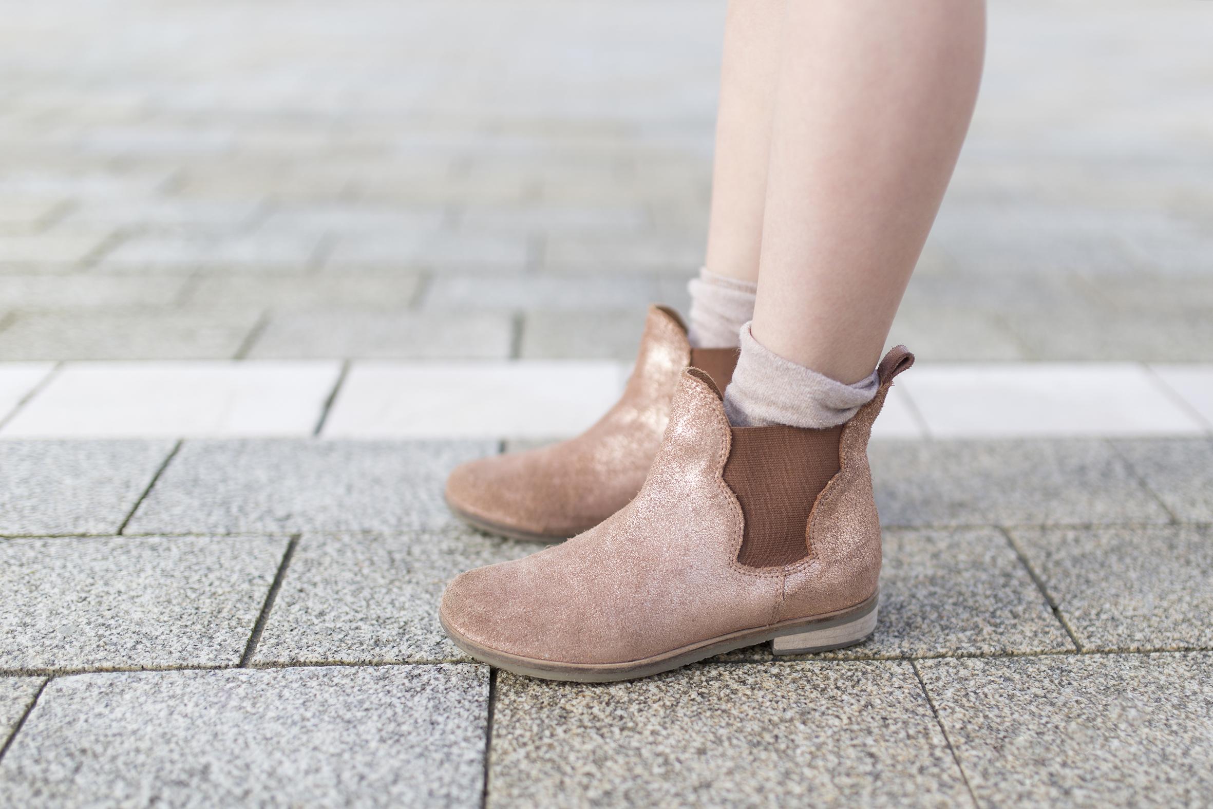 estilo-calle-coruña-niños-jimena-zara kids-boots-My partner-fashion-moda-street style-descalzaporelparque-blogger
