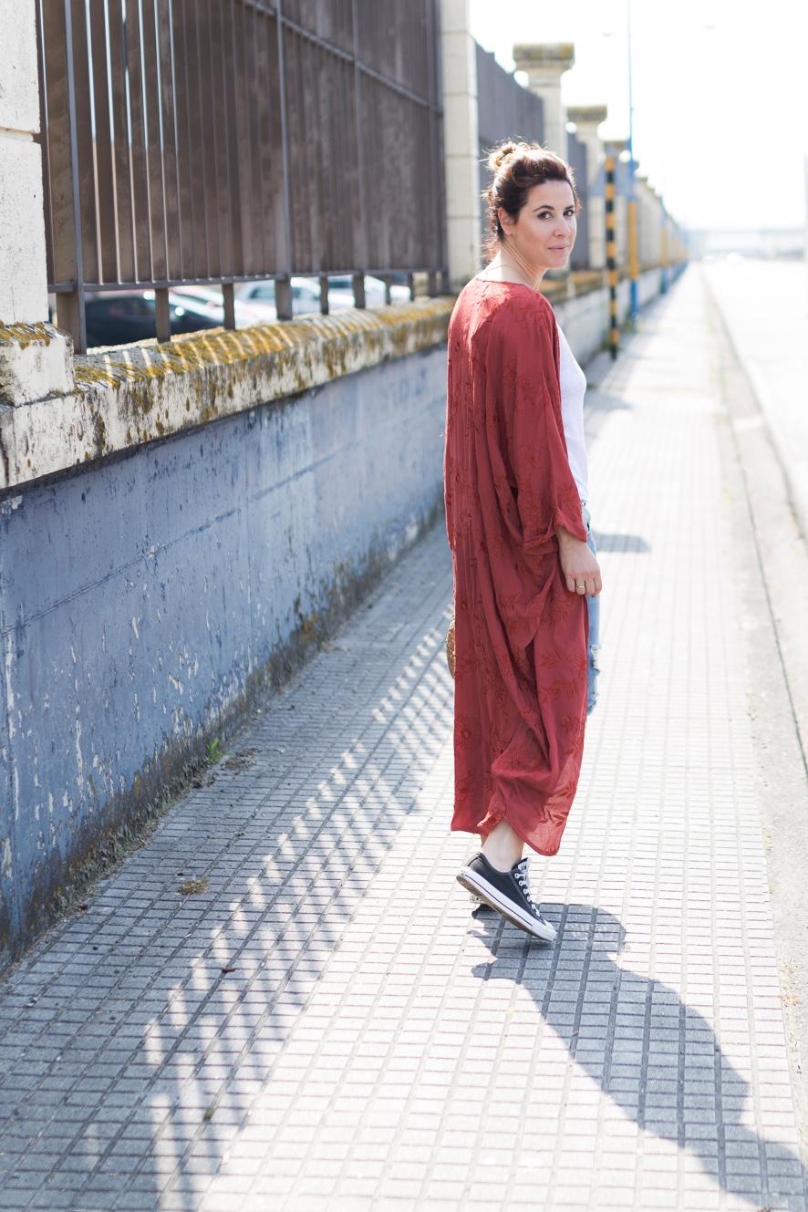 fashion- look -converse-zapatillas-sneakers-kimono- zara- streetstyle- style- ootd- descalzaporelparque