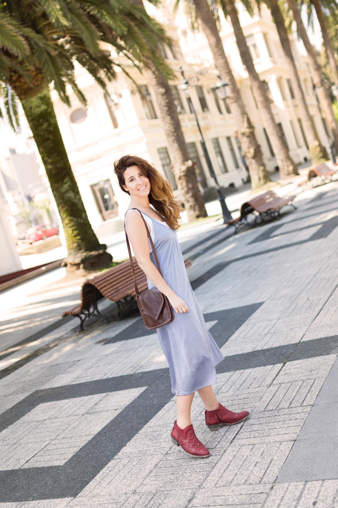 descalzaporelparque-vestido-botines- zara -streetstyle-dress-style-urban outfitters- bag