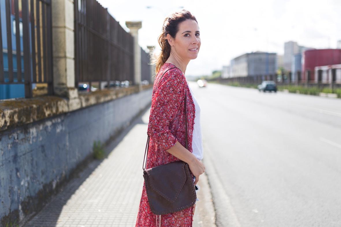 alba cuesta -descalzaporelparque- shorts-SHEIN - blogger-mommyblogger-lifestyle-stylelovely-style-look- denim- dress- chiffon- coruña-