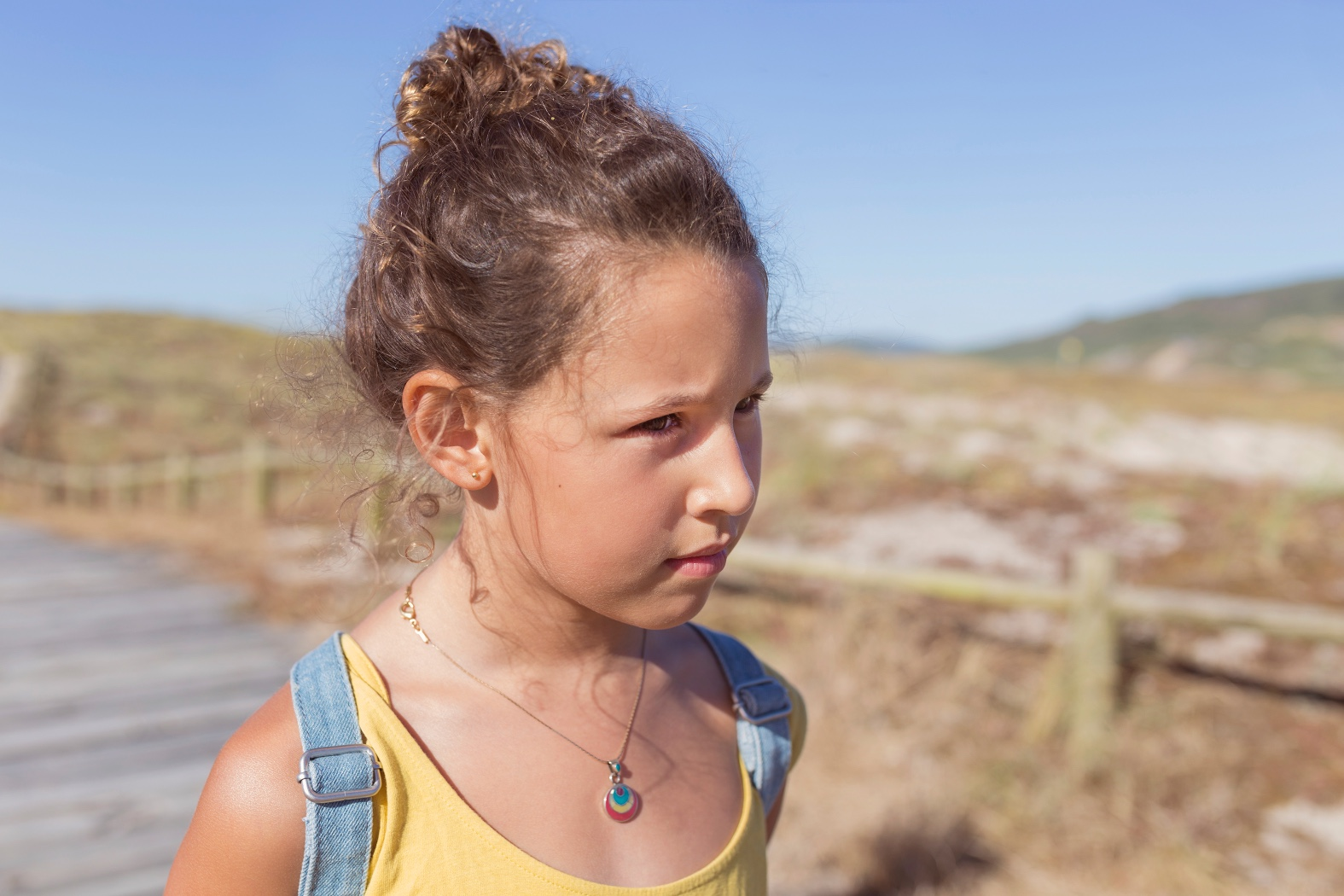 niños-moda-backpack-barrañán -coruña - descalzaporelparque - jimena -kids - playa -rojo -summer - zara kids-surf-playa-barrañan-arteixo