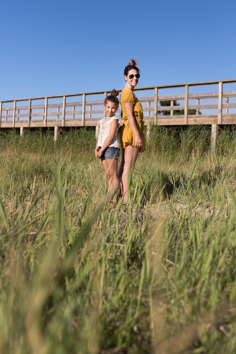 madre e hija -stylelovely-descalzaporelparque-ZARA -Mango Kids-Zippy-ZARA KIDS-rayban-una auténtica aventura-jimena and me-playa-style-fashion-lifestyle-coruña-bloggers