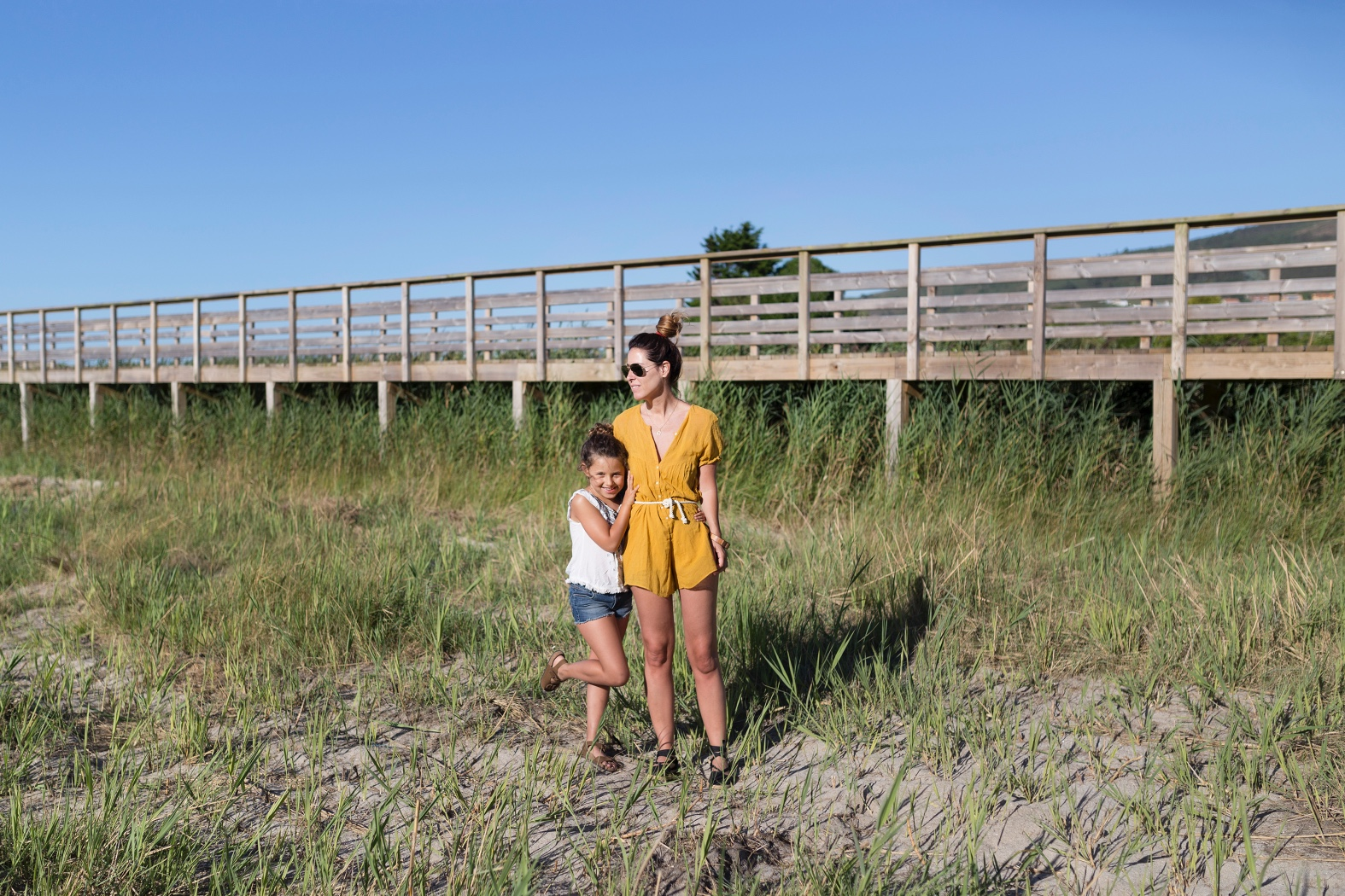 una auténtica aventura-jimena and me-playa-style-fashion-lifestyle-coruña-bloggers-madre e hija -stylelovely-descalzaporelparque-ZARA -Mango Kids-Zippy-ZARA KIDS-rayban