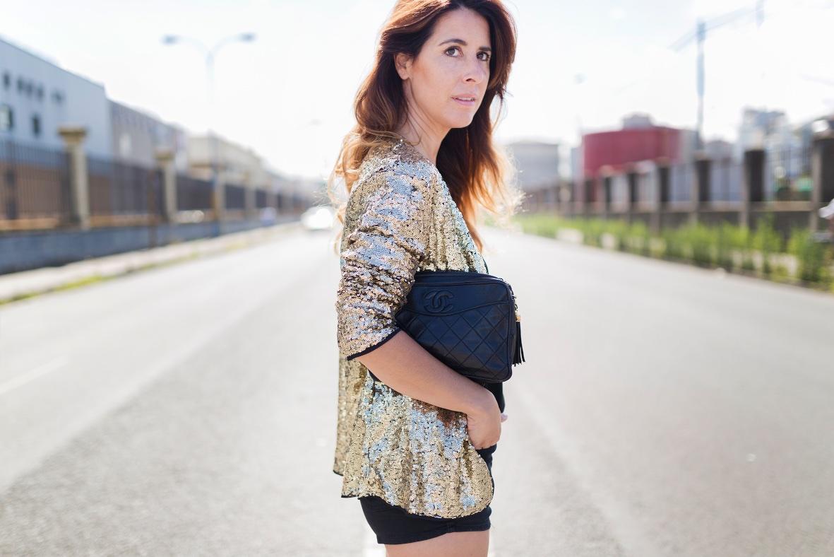 sytreetstyle-chanel-coruña-descalzaporelparque-alba cuesta- look- style- ootd-sequined Coat- SHEIN-cazadora lentejuelas- fashion- blogger-style-